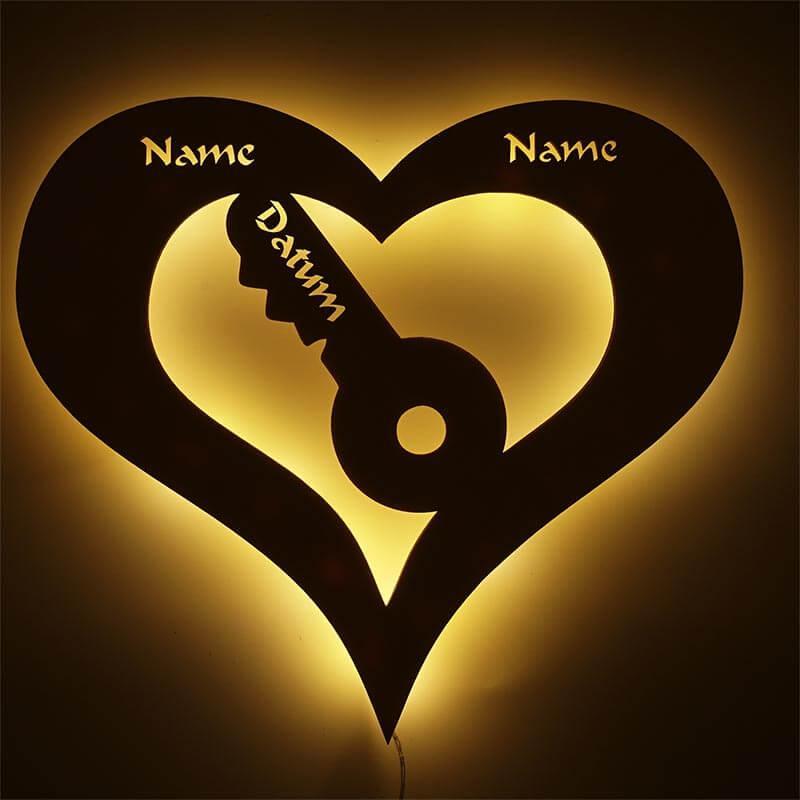 - Liebesbeweis für Freundin Herz Schlüssel mit Namen und Datum - Onlineshop Schlummerlicht24