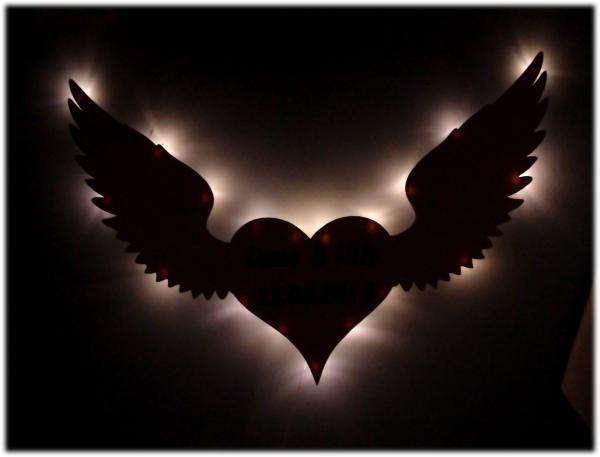 Herz mit Flügel Geschenke